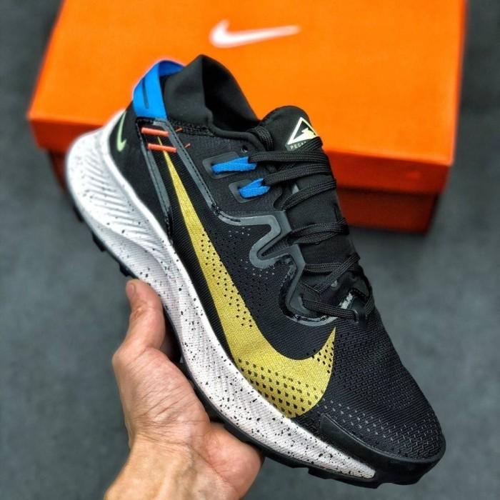 Sepatu Sneakers Nike Zoom Pegasus Trail 2 Black Gold