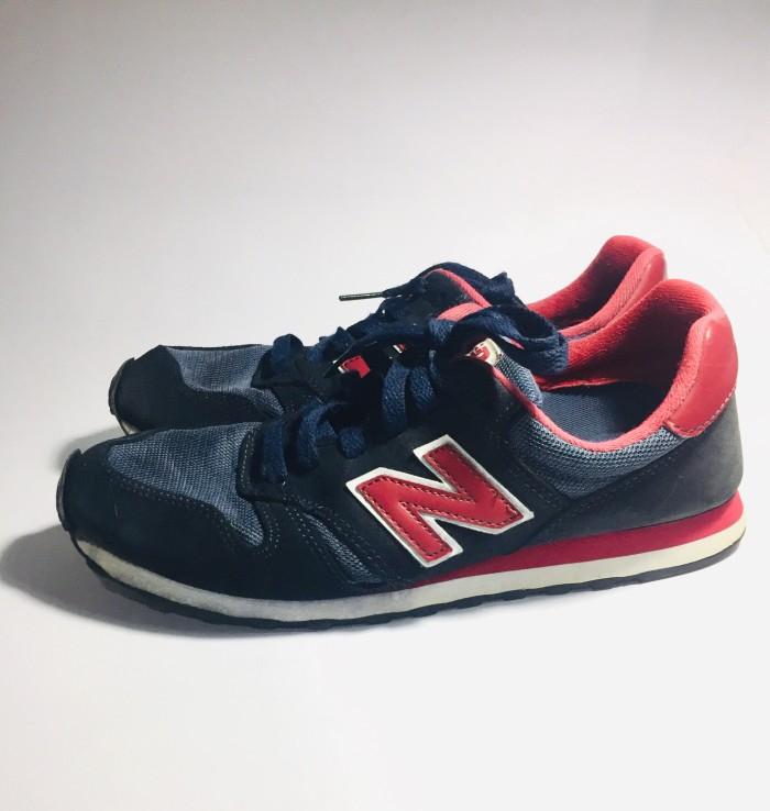 Sepatu New Balance 373 Navy Red Used Original