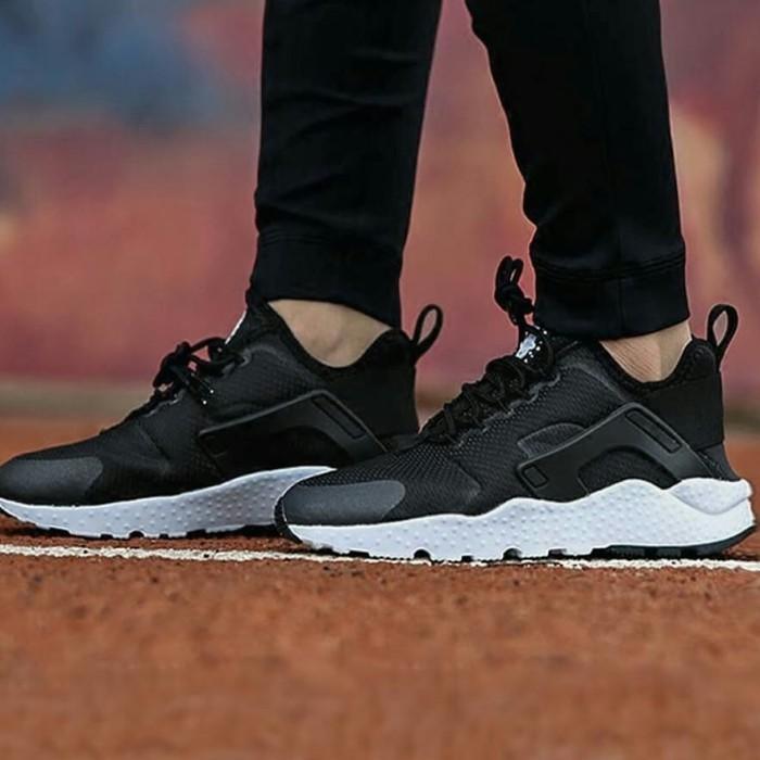 Sepatu Nike Original 100 Air Huarache Run Ultra Women Black White