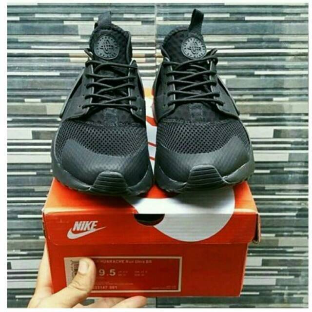 Nike Huarache Triple Black Mudah